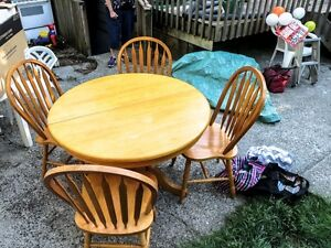 table & chairs-Maple-North Vancouver
