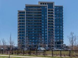 Stunning 2bed+den in Thornhill - North Park area! HUGE BALCONY!