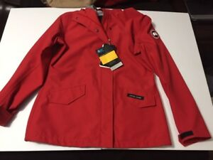 100% authentic Canada Goose Town jacket womens size Large NWT