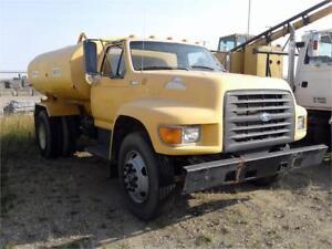 1997 Ford F800 Tanker Truck