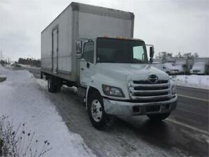 2016 Hino 268 26ft Dryfreight Box w/ Liftgate
