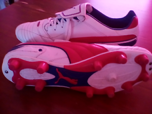Men's footy boots size 10 Narre Warren South Casey Area Preview