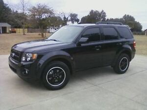 2011 Ford Escape XLT Sport V6 4WD SUV w/ 2 Sets of Tires/Wheels
