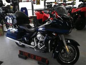 2013 Harley Davidson Road Glide Ultra . Extra clean low miles .