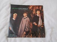 Vinyl 12in 45 Cry Wolf Extended Mix A- Ha Cry Wolf Extended / Cry Wolf Warner Brothers W8500T
