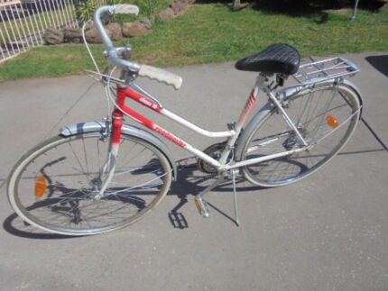 Vintage Ladies Stepthrough Bike - Roadmaster , 10speed