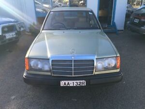 1986 Mercedes-Benz 300 W124 E Gold 4 Speed Automatic Sedan Woodville Park Charles Sturt Area Preview