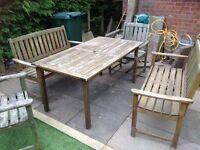 Garden furniture (wooden)