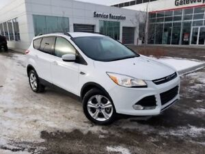 2014 Ford Escape SE Navi, Backup Cam, Heated Seats Dual Climate