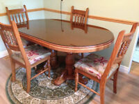 Dining/kitchen table, solid oak with 4 chairs