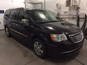2012 Chrysler Town & Country LIMITED Familiale (dodge grand Cara