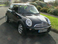 56 REG MINI COOPER 1.6 3 DOOR HATCHBACK IN METALLIC BLACK HPI CLEAR BARGAIN