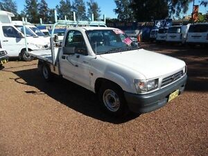 2000 Toyota Hilux RZN149R White 5 Speed Manual Cab Chassis Homebush West Strathfield Area Preview