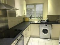 2 BED FLAT TO RENT IN LANGLEY, EXCELLENT ORDER, 2 DOUBLE BEDROOMS, FULLY REFURBISHED 4 YEARS AGO.