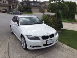 2011 BMW 328i xDrive AWD Navigation, Local