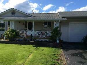 3 Bdrm/2 Bath with Bright Country Kitchen