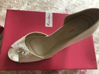 Rainbow Club Ivory shoes size 6 and 7