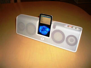 Logitech mm50 Portable Speaker System for iPod (White)