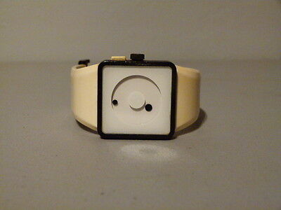 MENS NIXON FLOAT ON THE NEWTON BLACK WHITE MYSTERY DIAL SILICONE QUARTZ WATCH