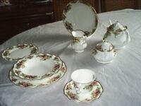 set de vaisselle ant en fine porcelaine anglaise signer NEGO