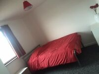 short term let from July to Sep slough town - couples welcome