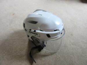 Bauer HH8000 helmet with visor Excellent condition Adult medium