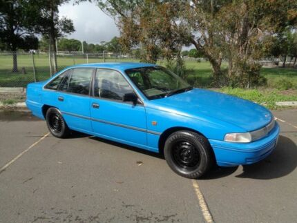 1992 Holden Commodore VP Executive Blue 4 Speed Automatic Sedan Clontarf Redcliffe Area Preview