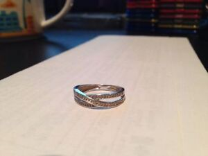 10 k white gold ring with diamonds