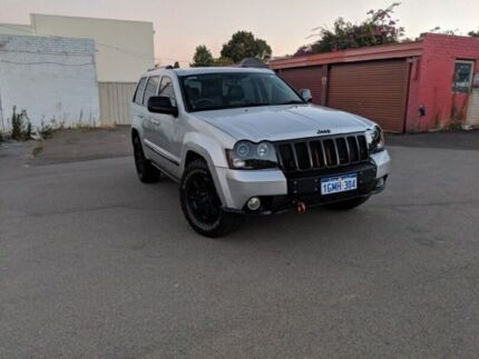 2010 JEEP GRAND CHEROKEE CUSTOM MADE IN MINT  CONDITION