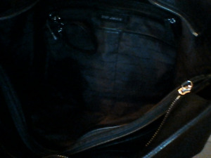 Authentic womens Micheal Kors purse