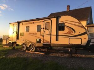 25' Travel Trailer