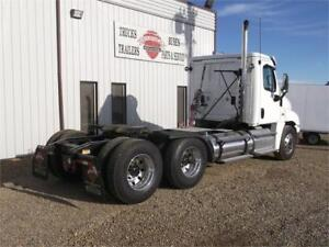 2013 FREIGHTLINER® CASCADIA Heavy Spec Day Cab
