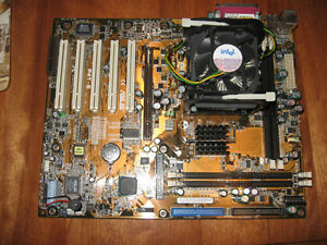 COMPUTER MOTHERBOARD ASUS