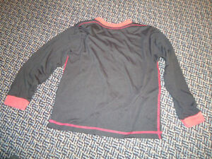 Boys Size 7/8 Long Sleeve T-Shirt Kingston Kingston Area image 3