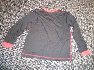 Boys Size 7/8 Long Sleeve T-Shirt Kingston Kingston Area image 3