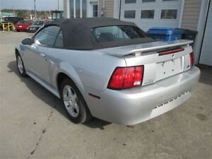MUSTANG COVERTIBLE 2001 (V-6) (514-501-2259)