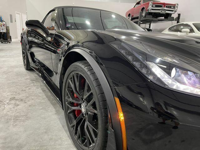 2016 Black Chevrolet Corvette Z06    C7 Corvette Photo 7