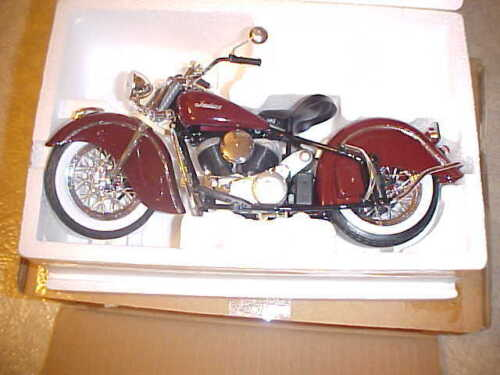 INDIAN 348 CHIEF GUILOY METAL 1/10 TWINS MOTORCYCLE