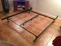 HEAVY DUTY ADJUSTABLE METAL BED FRAME (DBLE/QN) WITH CENTRE BAR