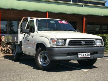 2001 Toyota Hilux RZN149R White Manual Cab Chassis