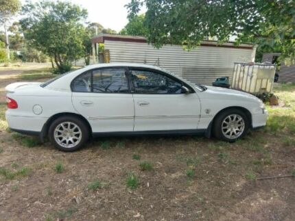 Holden vx commodore