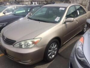 2002 TOYOTA CAMRY XLE/ONE OWNER/SUNROOF/ALLOYS/LOW KMS FOR YEAR!
