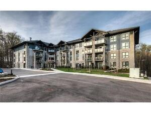 Extremely Well-Maintained 2 Bedroom Condo In Kitchener!