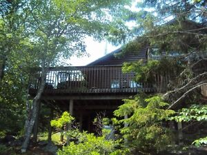 Immaculate! Furnished!  Chalet on Ponhook!