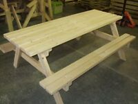 Free family picnic bench