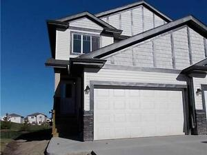 BRAND NEW DUPLEX FOR RENT IN BEAUMONT/OVERSIZED SINGLE GARAGE!