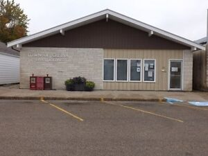 Office building for sale in Gretna - 612 7th St