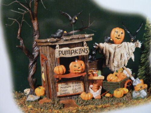 Dept 56 HALLOWEEN VILLAGE  Pumpkin Stand Figurine Original Box Retired