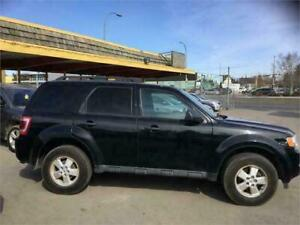 """2012 Escape XLT AWD...."""""""" HELPING HANDS AUTO LOANS """""""""""