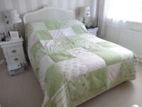 Kaliedoscope Gorgeous Green Floral Patchwork Quilt